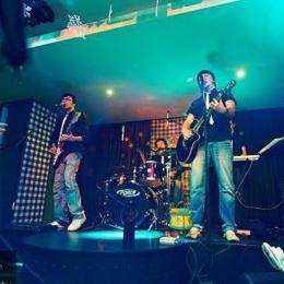 Музыкальный коллектив СУХОВ band